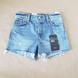🆕️[Levi's] Premium Wedgie Shorts